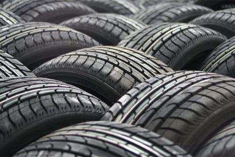 Gli pneumatici estivi: caratteristiche e scadenze